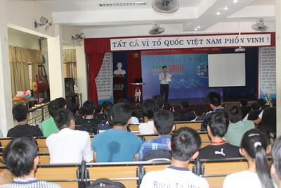 Lễ trao giải phần thi ý tưởng của cuộc thi Lập trình trên thiết bị di động