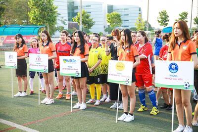 Tham gia giải Bóng đá mini nữ Khối thi đua số 4