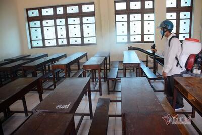 More schools reopened as virus threats ease in Vietnam