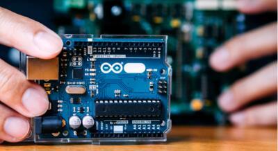 Ngành Công nghệ Kỹ thuật Điện - Điện tử: Đa dạng cơ hội nghề nghiệp.