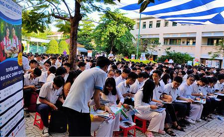 STU đồng hành cùng học sinh THPT TP.HCM trong Ngày Hội tư vấn tuyển sinh - hướng nghiệp