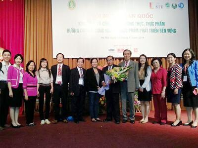 Lecturer of Food Technology Faculty - FFT participated in the National Science Conference in Hanoi