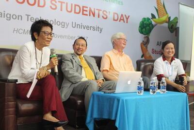 Prof. Arman Wirartakusumah and Prof. Park Kwan Hwa at ASEAN Students' Day (ASD)